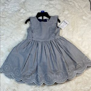 🎀Carters🎀 dress with underlay size (12m)